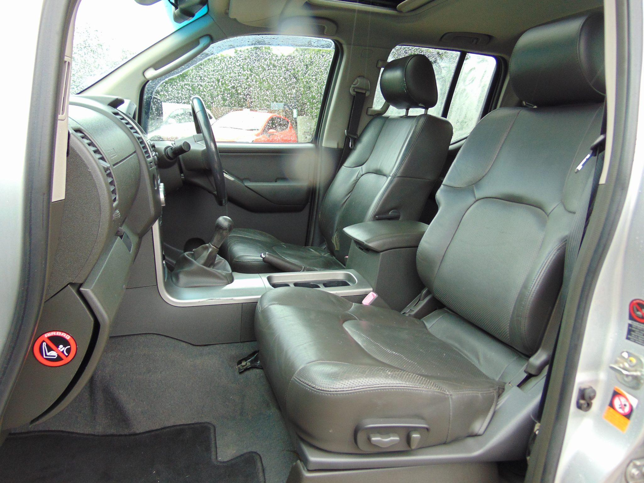 NISSAN NAVARA 2 5 DCI AVENTURA | Simon York Car Sales